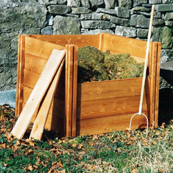 single-wooden-composter